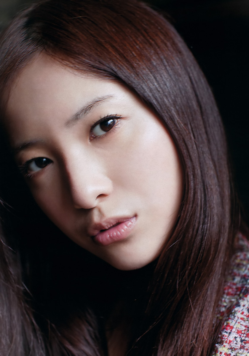 Yuriko Yoshitaka, The Japanese Actress That Has Won Many Awards and Can Even Speak English!
