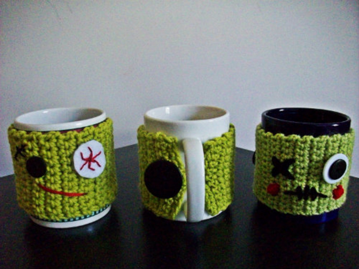 Mornings can be rough, but this cute-yet-scary mug cozy will keep you on your toes.  It's easy to crochet and fun to decorate.