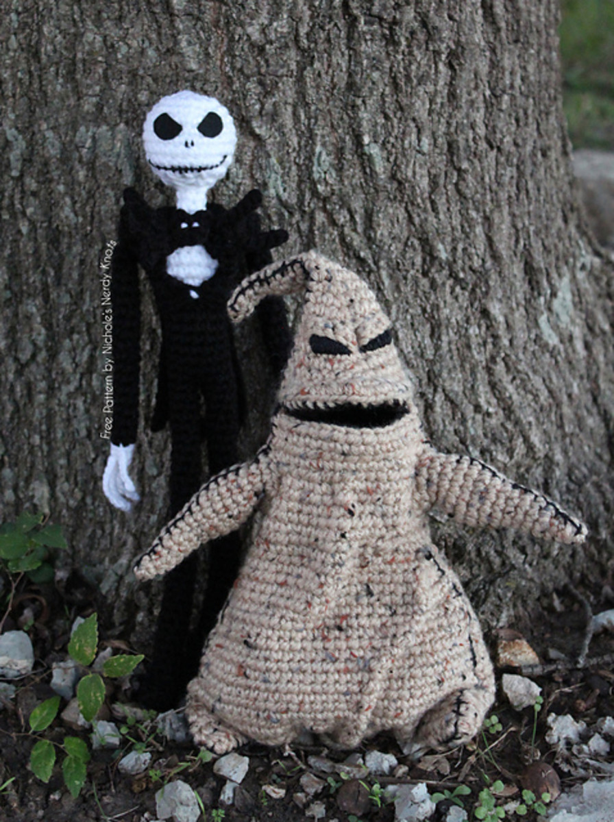Jack Skellington is about 12.5 inches tall. The pattern includes some pictures to help