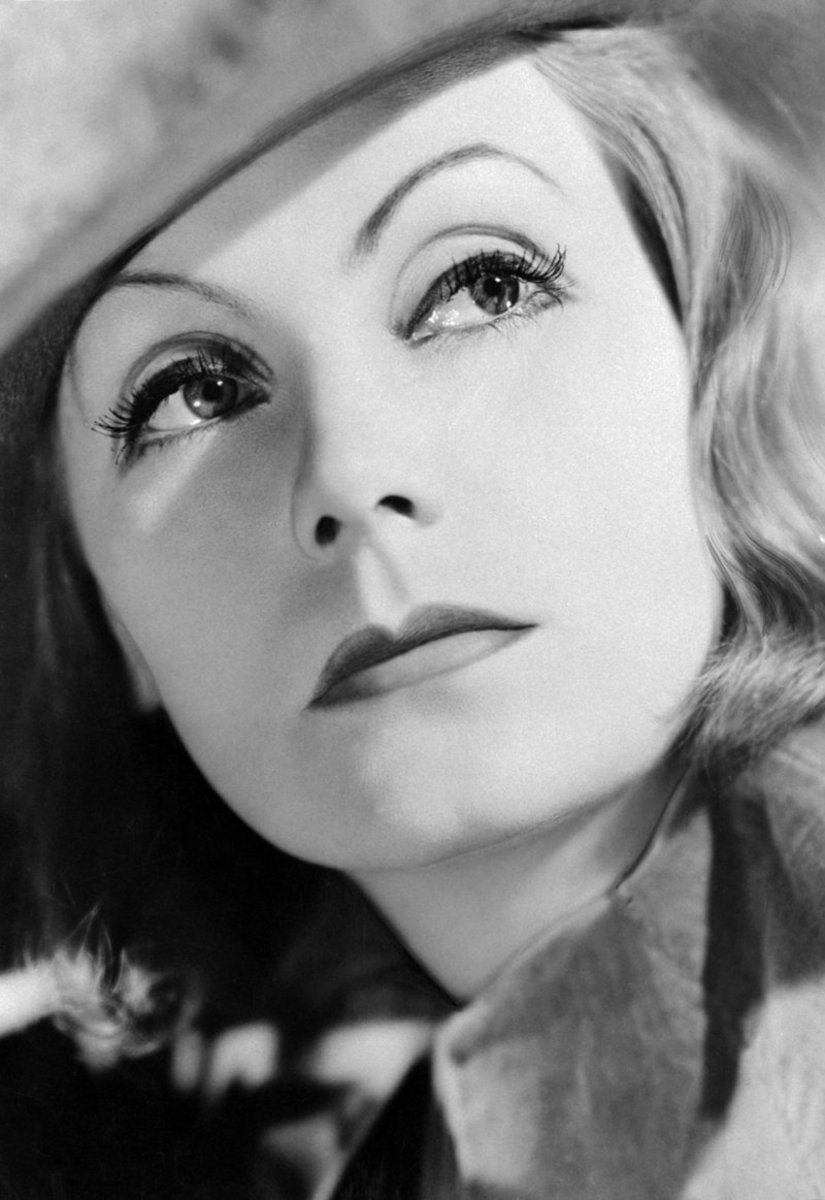 Eyebrows Over the Years:  1930s