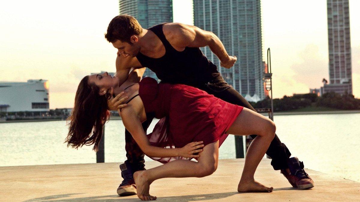 12 Inspiring Dancers to Follow on Instagram