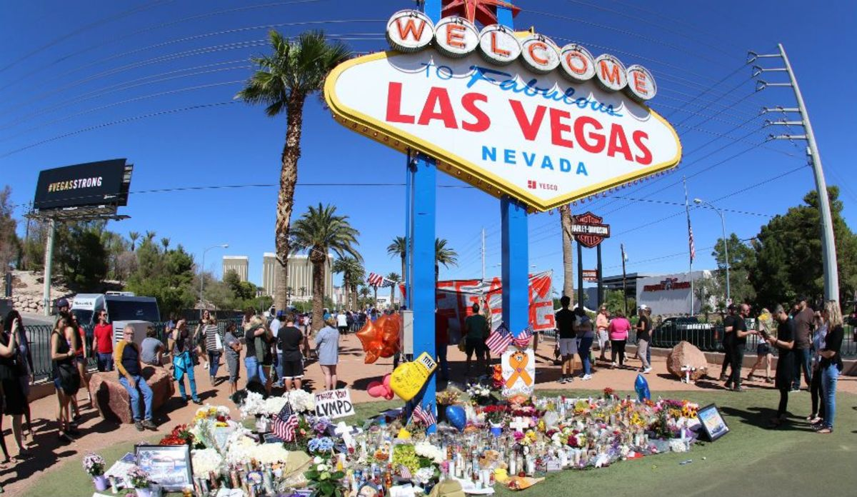 Las Vegas Police Report Says Victims Found at Hooters and Tropicana