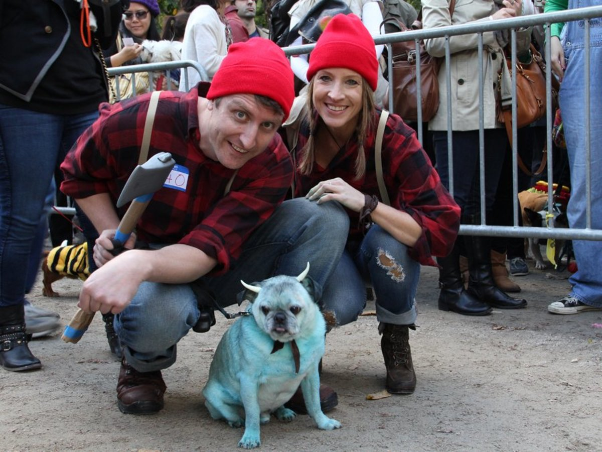 Dress up as Paul Bunyon, legendary lumberjack, and his blue ox, Babe