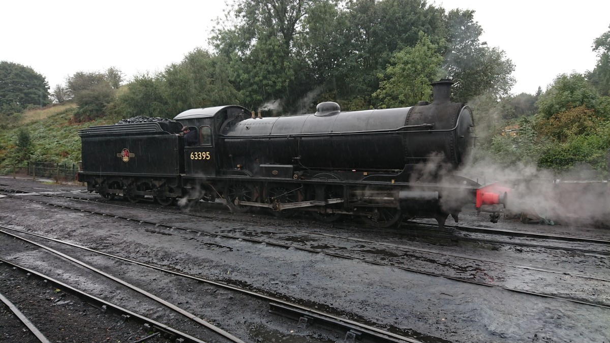 63395 leaves Bridgnorth shed in the rain for the 1300 departure, 21.9