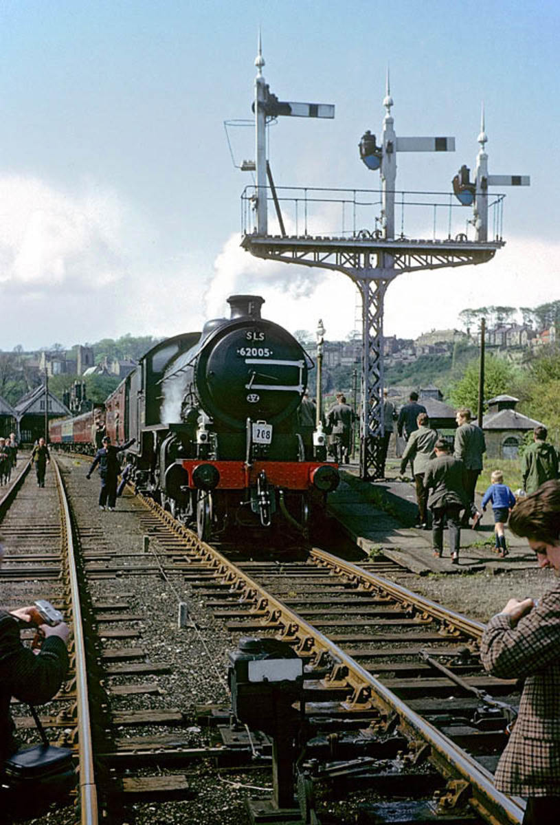 62005, still in British Railways' hands on the 3 Dales Railtour, May 1967. Later that year Viscount Garnock bought the engine as a source of spares for his K4 2-6-0 'The Great Marquess' before handing her over to NELPG