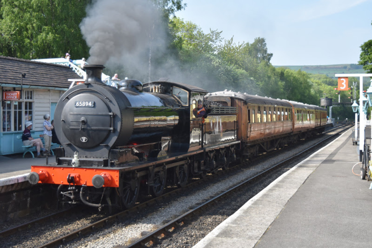 Class J27 (North Eastern Railway Class P3) 0-6-0 65894 starts from the Down Platform with a three-coach Gresley teak set on the 16.30 working to Pickering (strictly speaking 'Up from Grosmont) (Neal Woods)