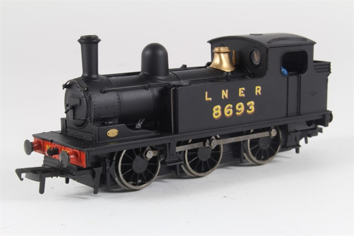 Bachmann Branchline Class J72 0-6-0 tank engine in LNER black livery from the box. The later 1951-built version is also available as owned by NELPG with NER and BR armorials, late of Newcastle-upon-Tyne Central Station