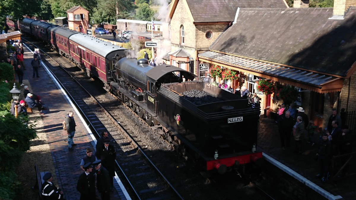 Final curtain on the SVR at Arley, 23rd September, 63395 takes the 13.15 Bridgnorth-Kidderminster - she'll be on her way back to Grosmont for the Autumn Steam Gala as I write this, 15.50, 24th September.