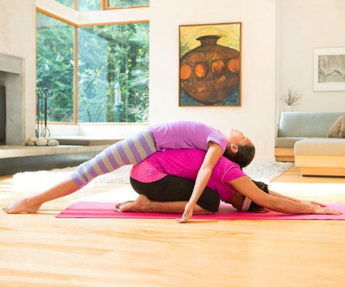 5 Partner Yoga Poses For Parent And Child Hubpages