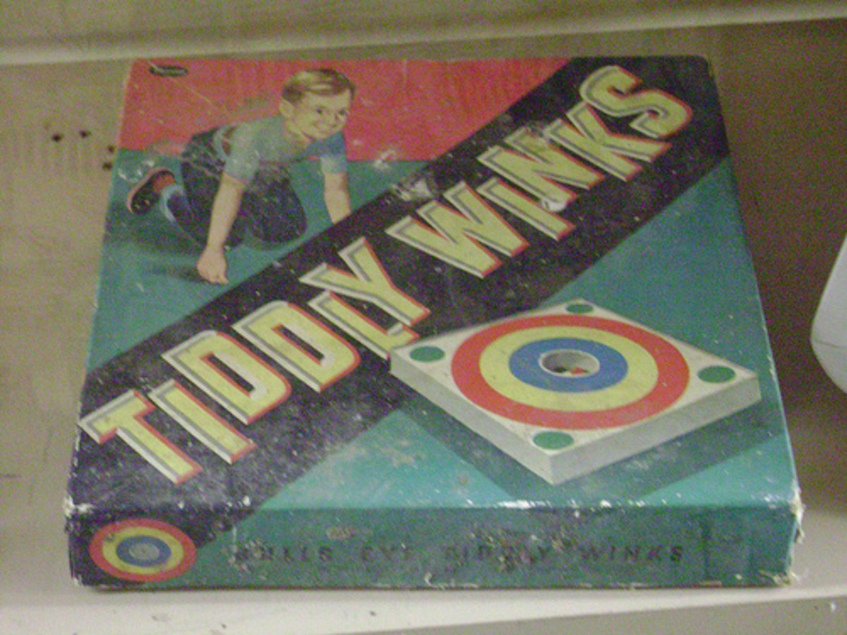 Vintage Tiddly Winks game
