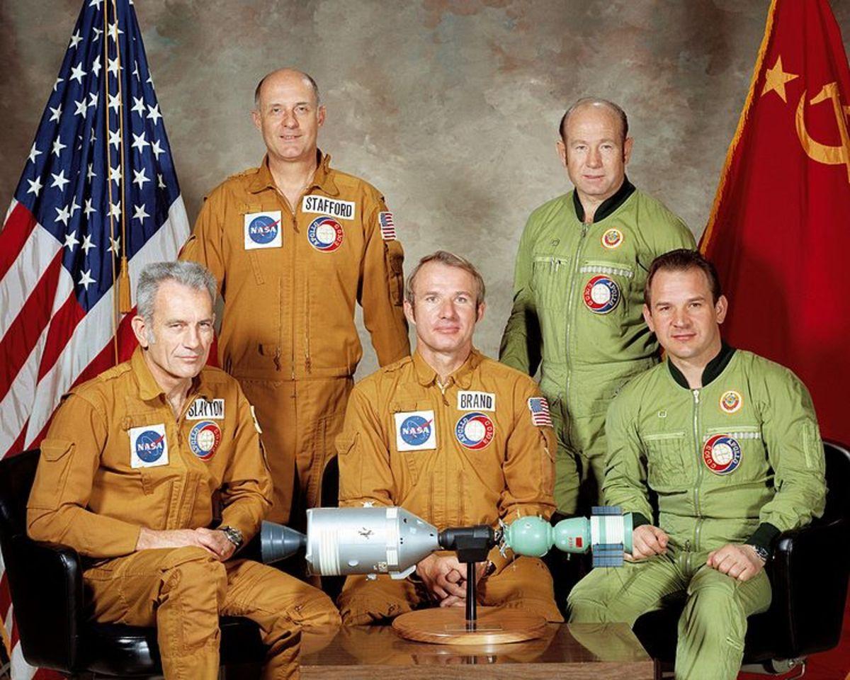 Apollo-Soyuz Test Project Crew: Deke Slayton, Thomas Stafford, Vance Brand, Alexei Leonov, Waleri Kubassov