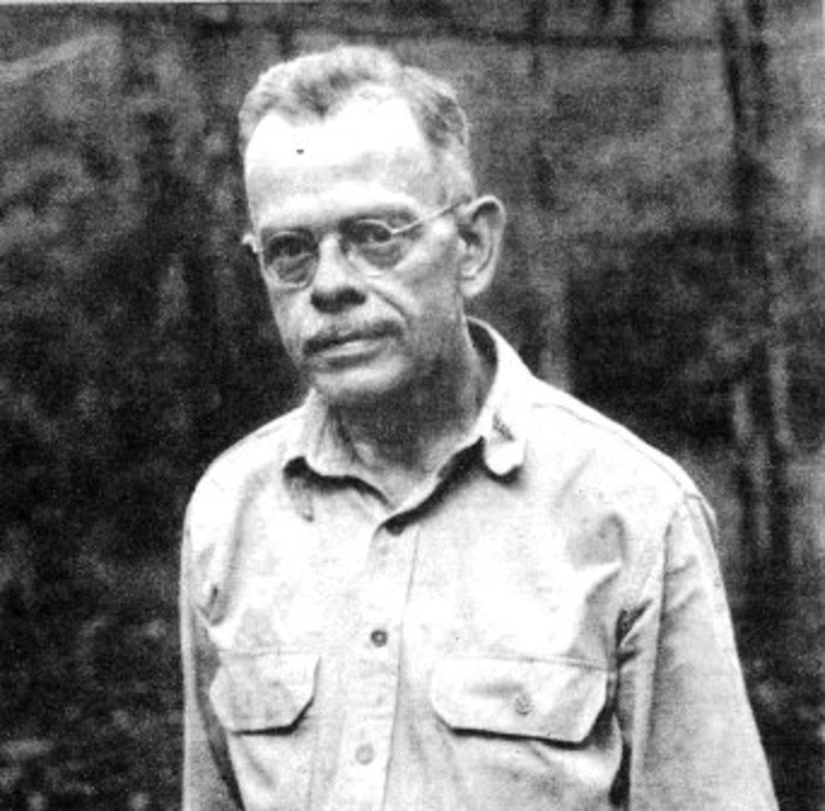 DR GORDON SEAGRAVE