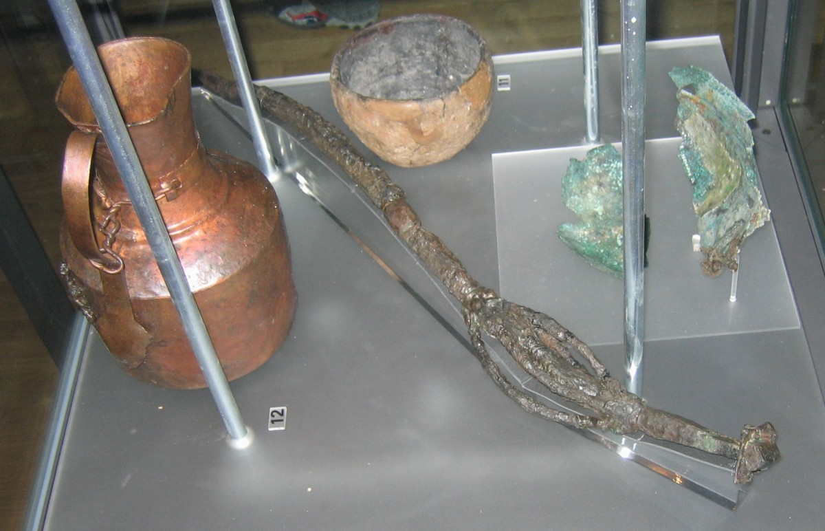 Finds from a vǫlva's grave in Köpingsvik, Öland.