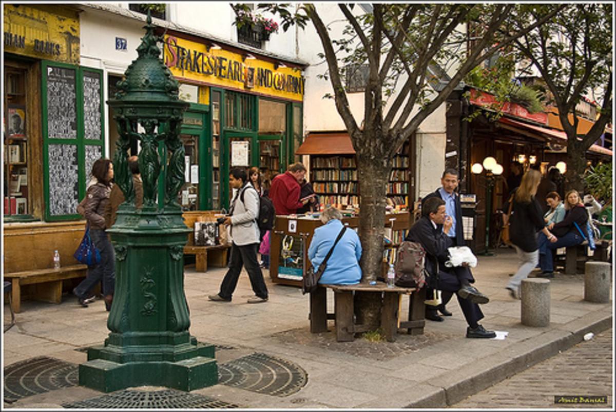 Left  Bank  Street scene in the heart of the Latin Quarter