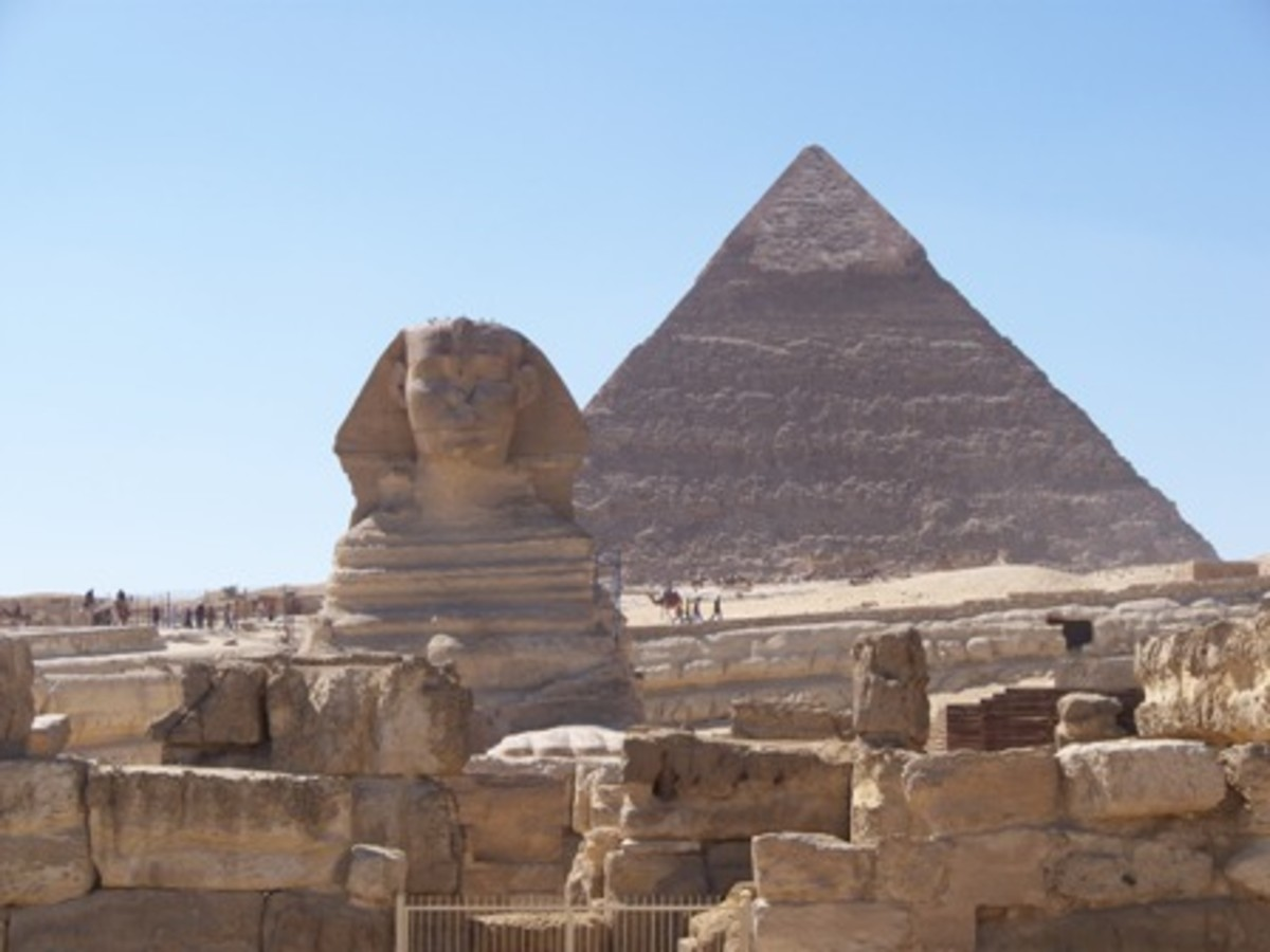 The Sphinx, with Khufu's pyramid in the background