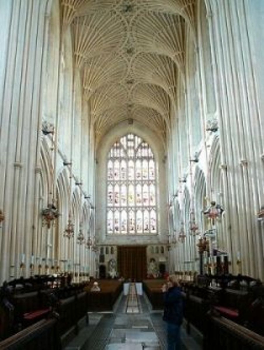 The Interior of Bath Abbey, facing the West Window, this photo gives a good view of the fan vaulting in the ceiling.