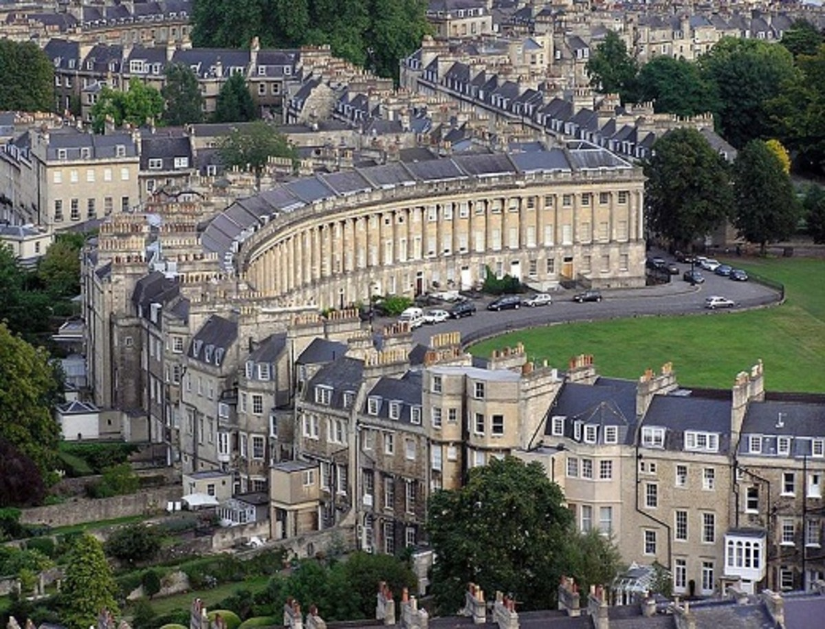 An aerial view of the stunning Royal Crescent.