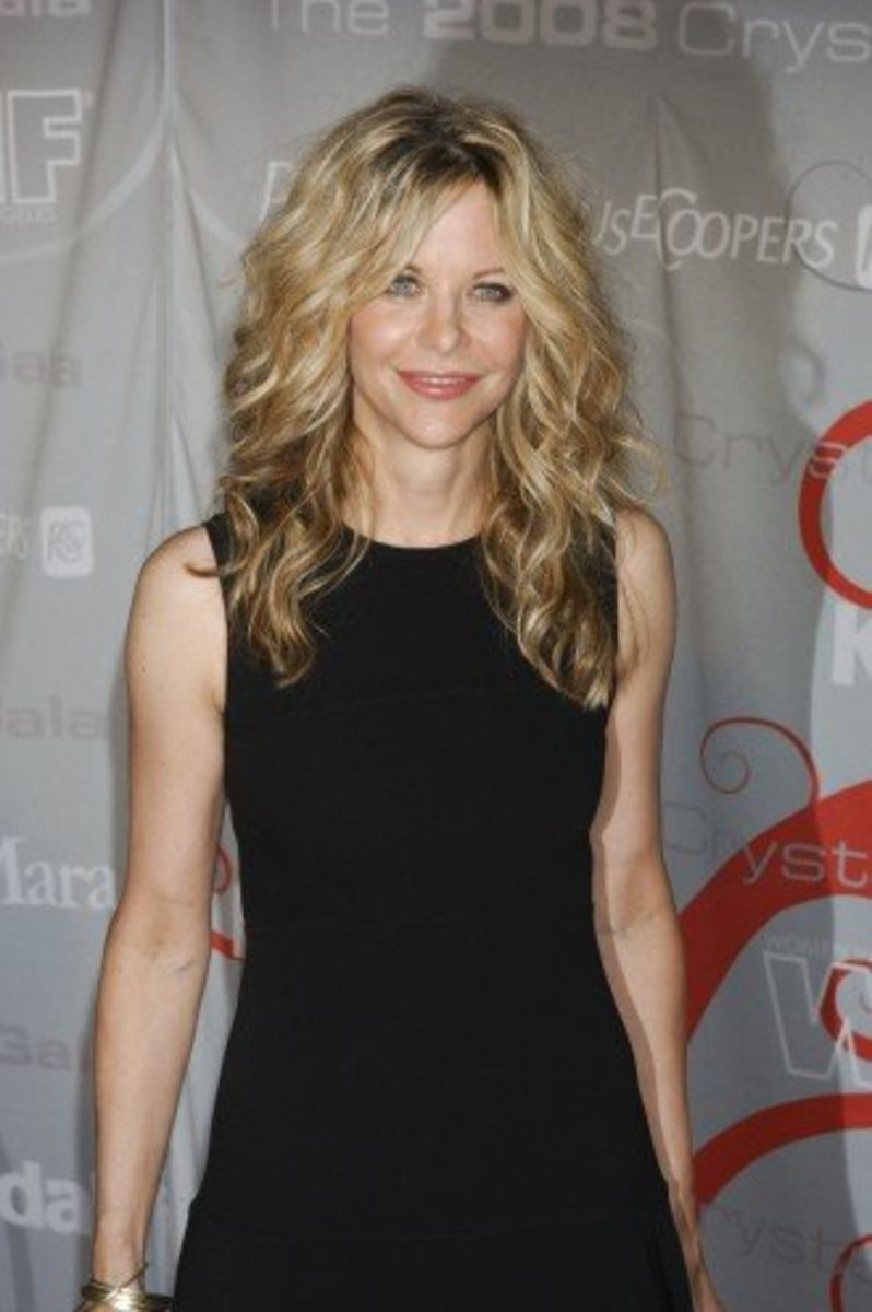 meg ryan long curly blonde hair styles for oblong face
