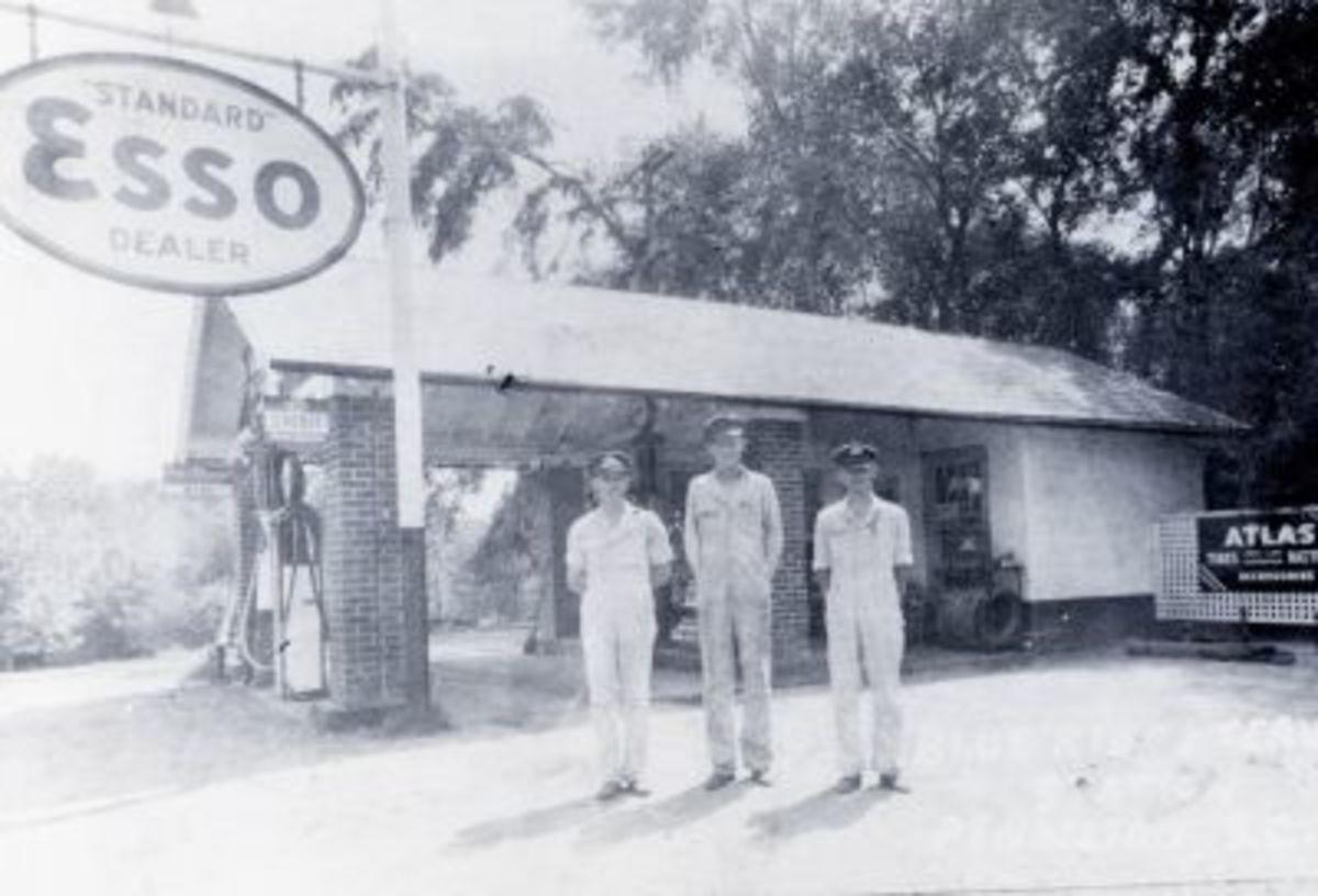 Smith's Esso Station 1936 in Pendleton, SC
