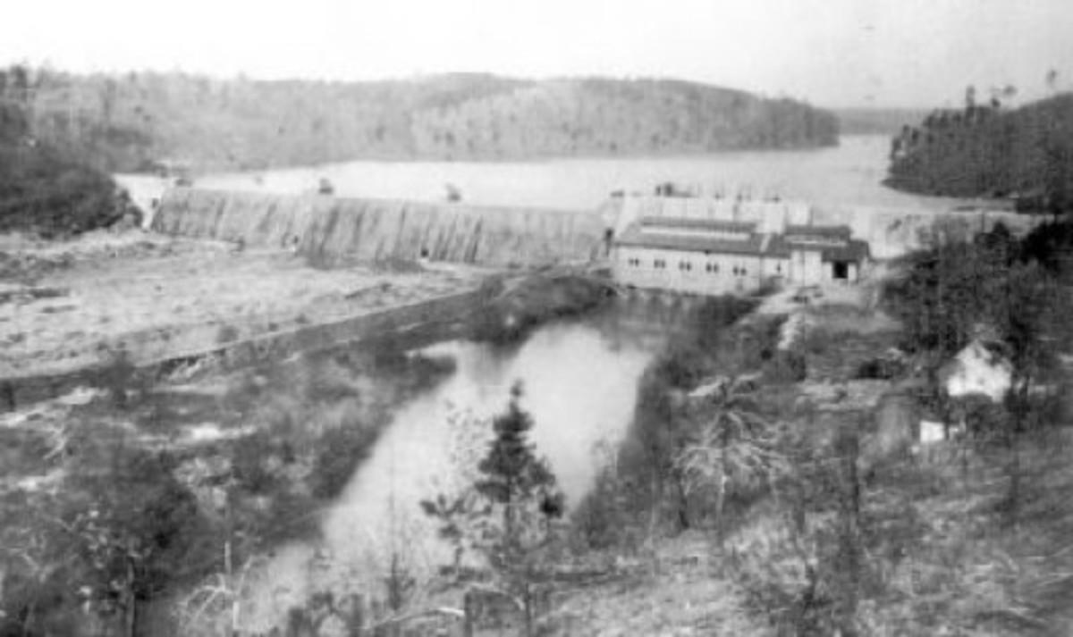 Portman Shoals Dam on Seneca River contributed by Jerry Sloan