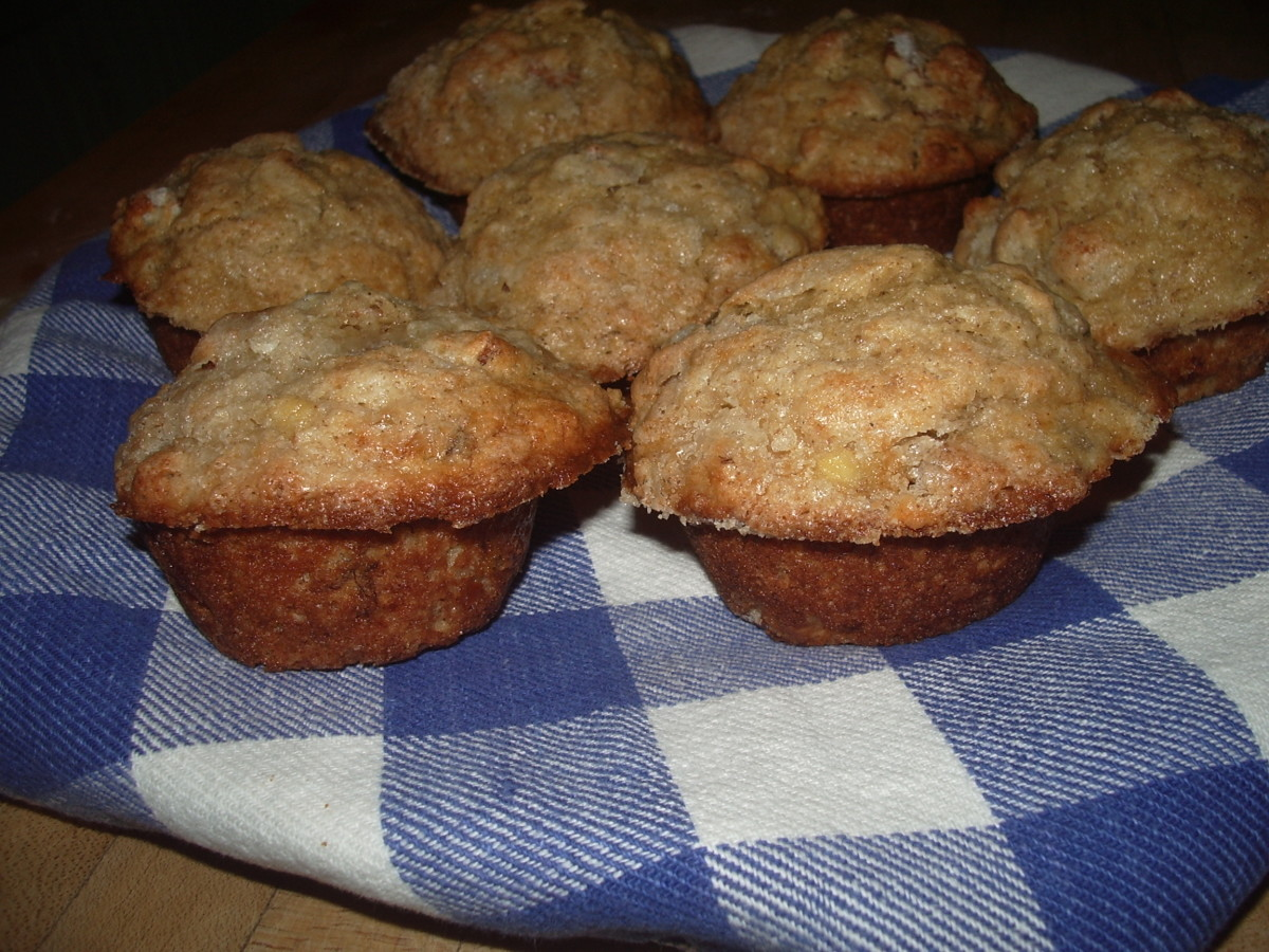 worlds-best-and-easiest-banana-nut-muffins