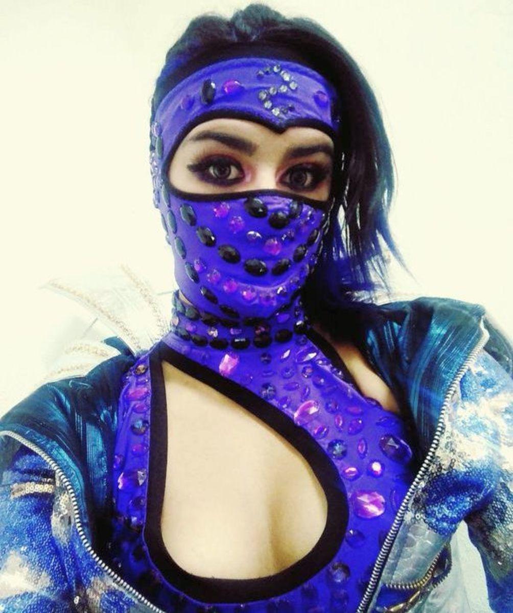 Masked luchadora Lady Shani