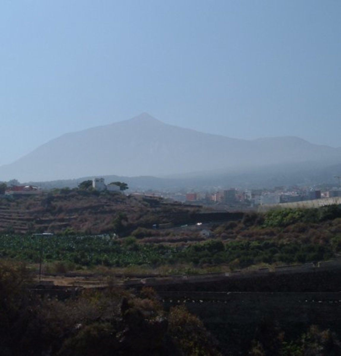 Mount Teide and Pico Viejo seen through a calima