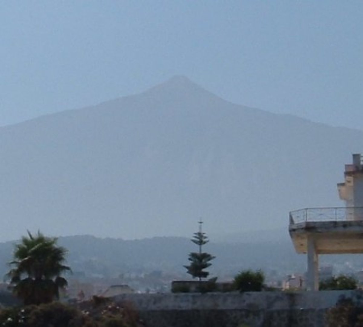 Mt Teide through a calima