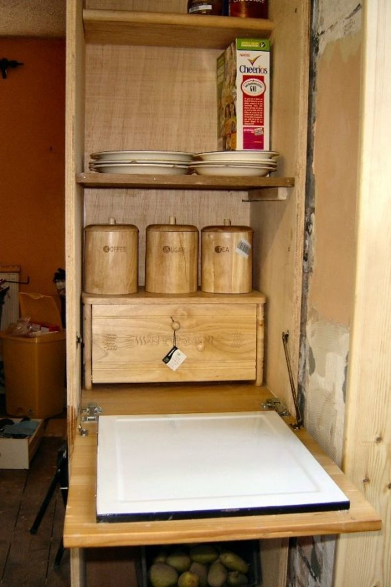 Making a built in Larder in the kitchen