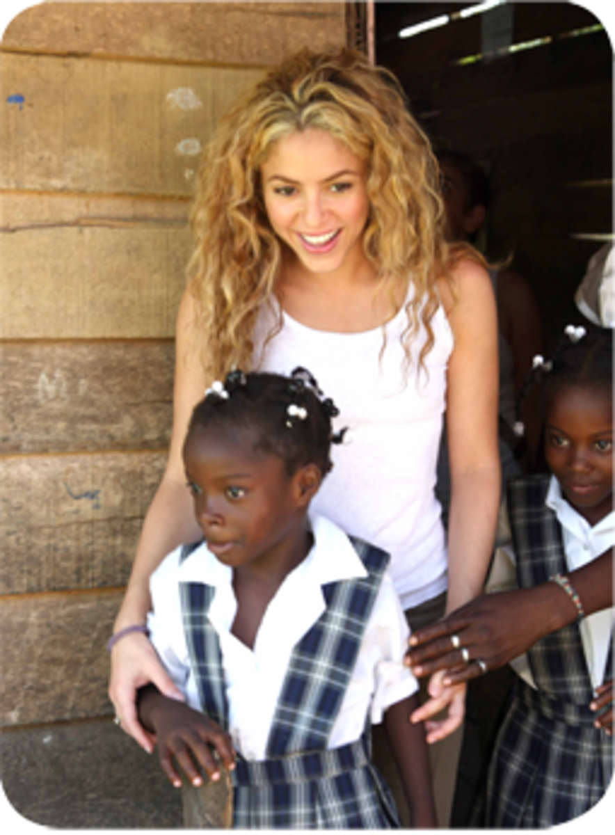 After the Cyclone SIDR hit Bangladesh, Shakira, as Goodwill Ambassador for UNICEF, in 2007 visited the country to learn about their most urgent needs and explore different projects in the most affected regions.