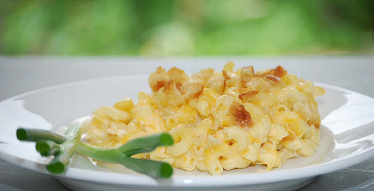 Quick & Easy 5 Minute Microwave Cheese Sauce: Easy Macaroni Cheese