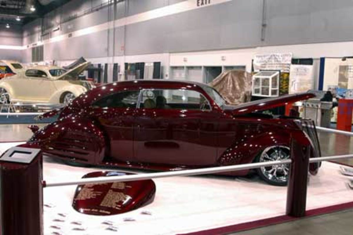 7. 1937 Lincoln Zephyr