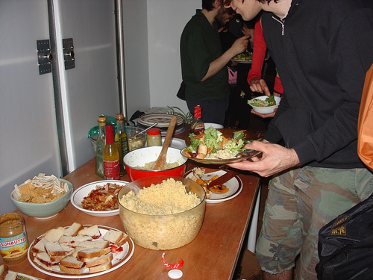 Freegan Community Food Party - notanalternative/flickr
