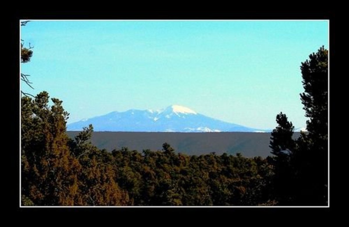 Humphreys Peak, of the San Francisco Peaks