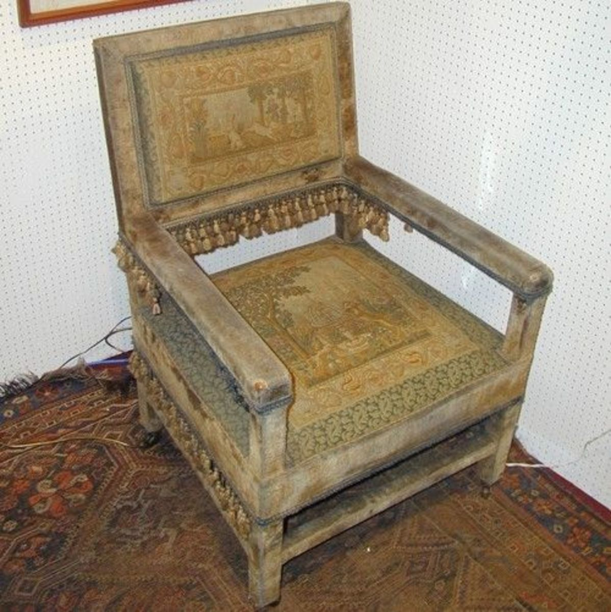 A Distressed (damaged) Antique Armchair Copyright 2004 Carol Fisher