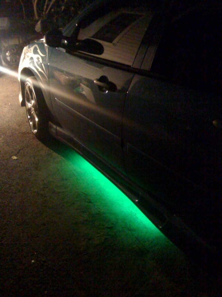 green neon light ford focus
