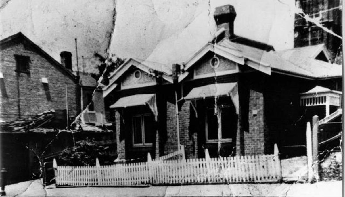 18 Darlington Parade - where Squizzy Taylor allegedly lived from about 1925 until his death in 1927. No corroboration is available. Photo picturevictoria.vic.gov.au.