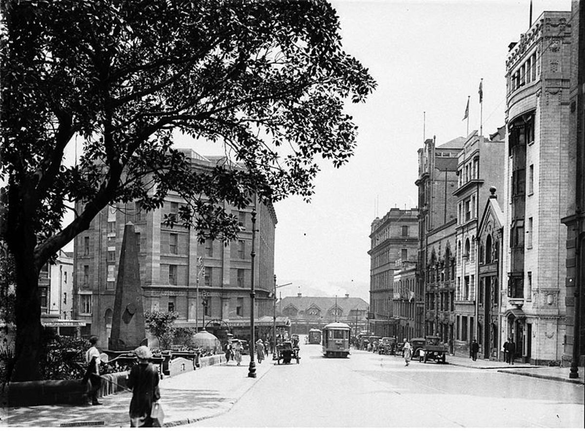 Macquarie Place, Sydney c. 1920.