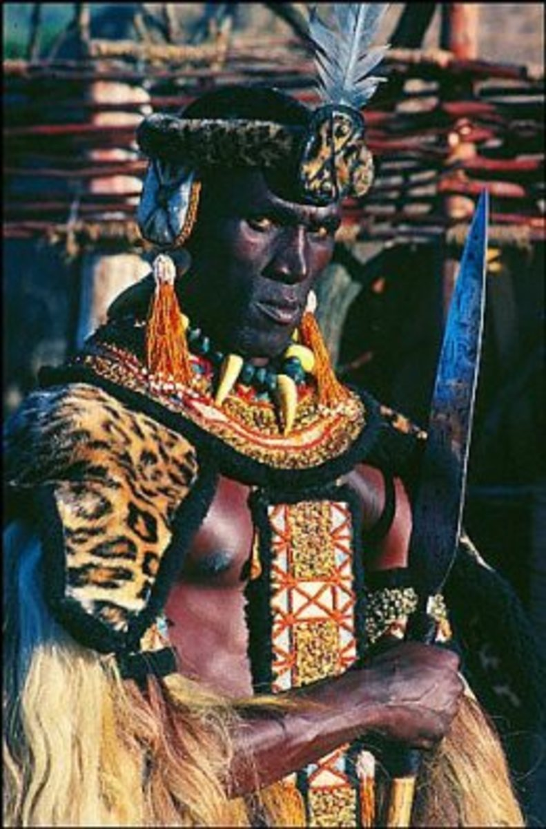 The main actor in Shaka Zulu is holding on to a spear akin to the one used by Shaka in real life-Large blade and short handle for close combat and maneuverability