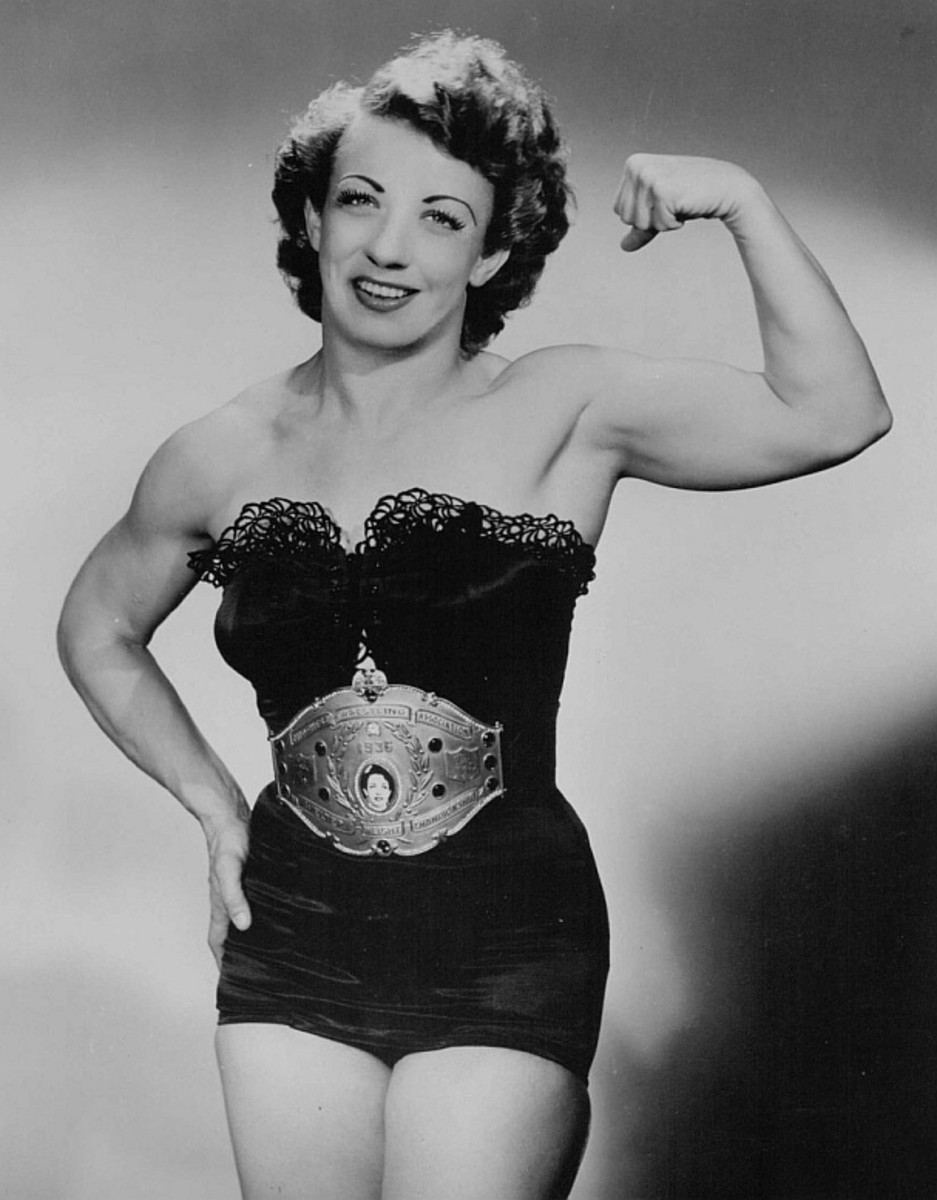 Mildred Burke bicep pose