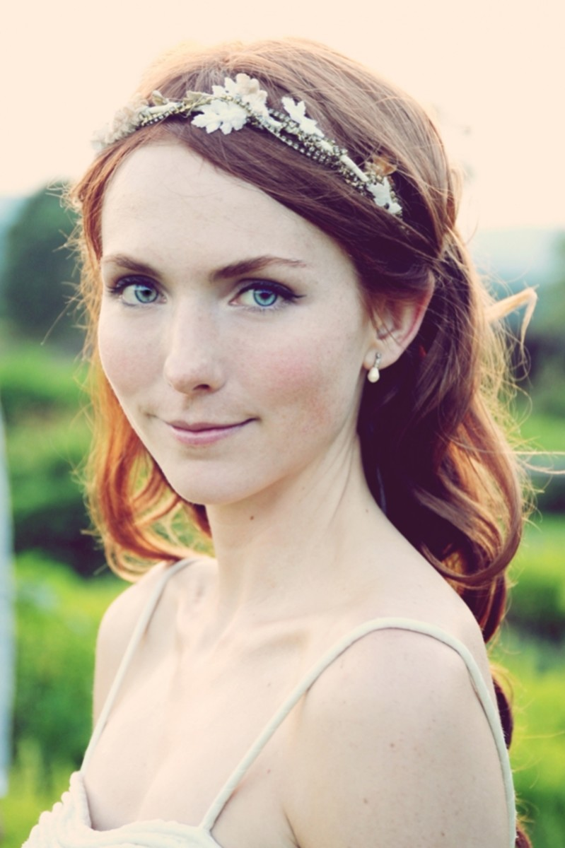 Delicate wedding headband