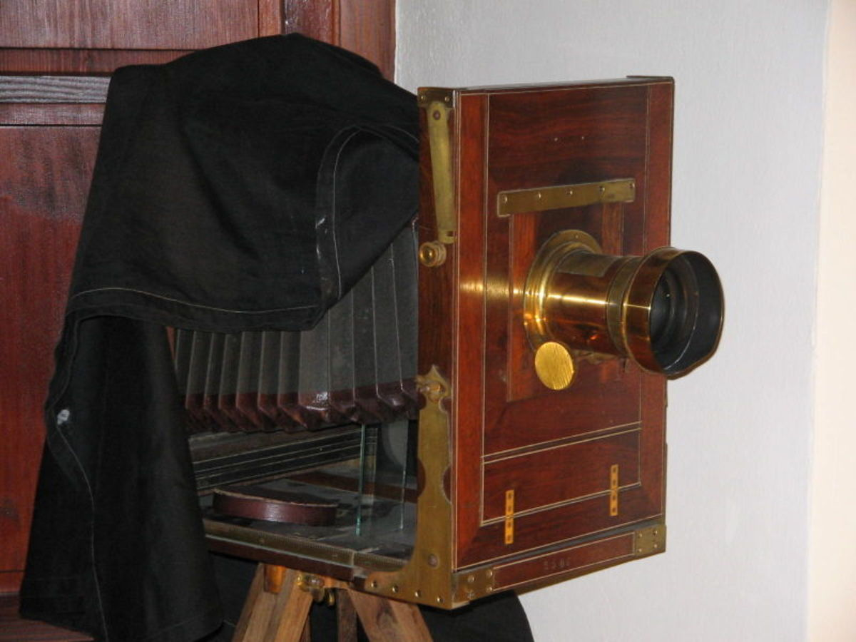 19th Century Studio Camera    Source: Wikipedia