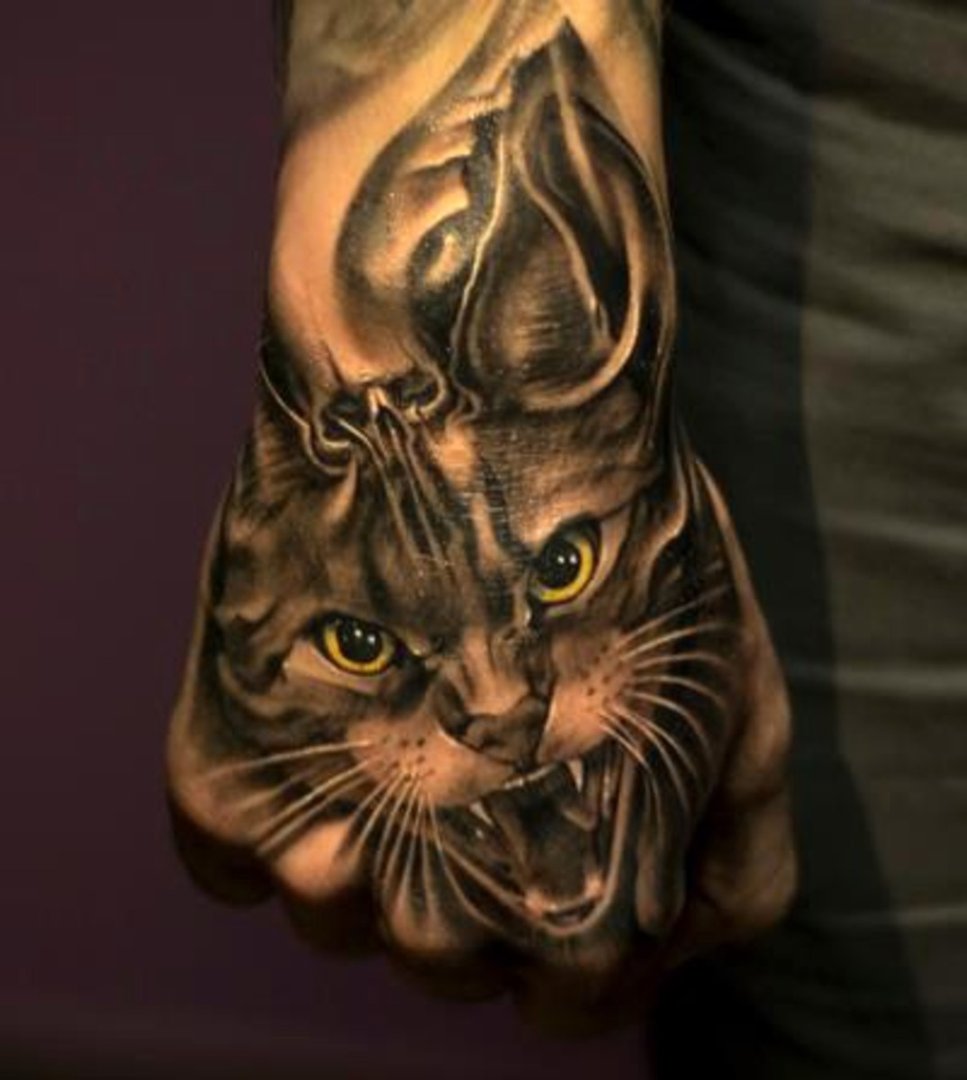 I think this is one of the best cat tattoos I have seen.