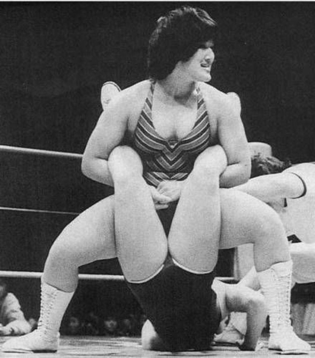 Devil Masami wrestling Jaguar Yakota