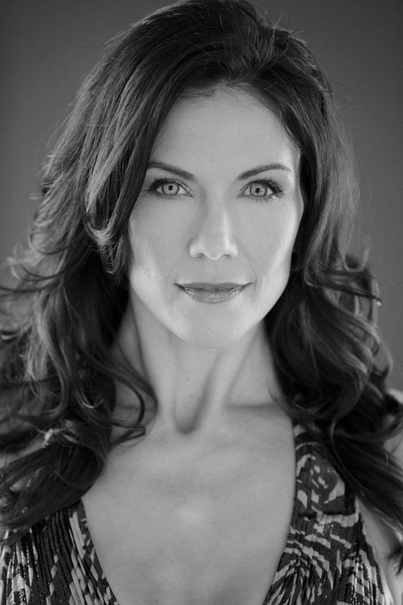 Lillie Langtry (Stacy Haiduk)
