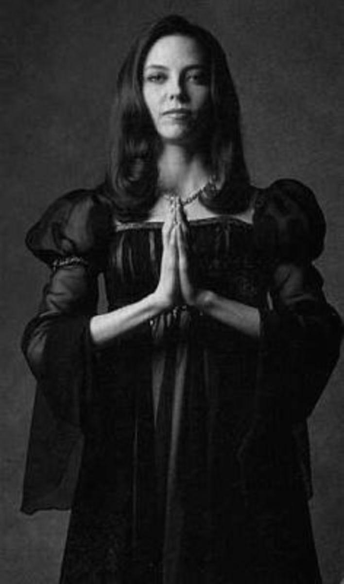 Drusilla (Juliet Landau)