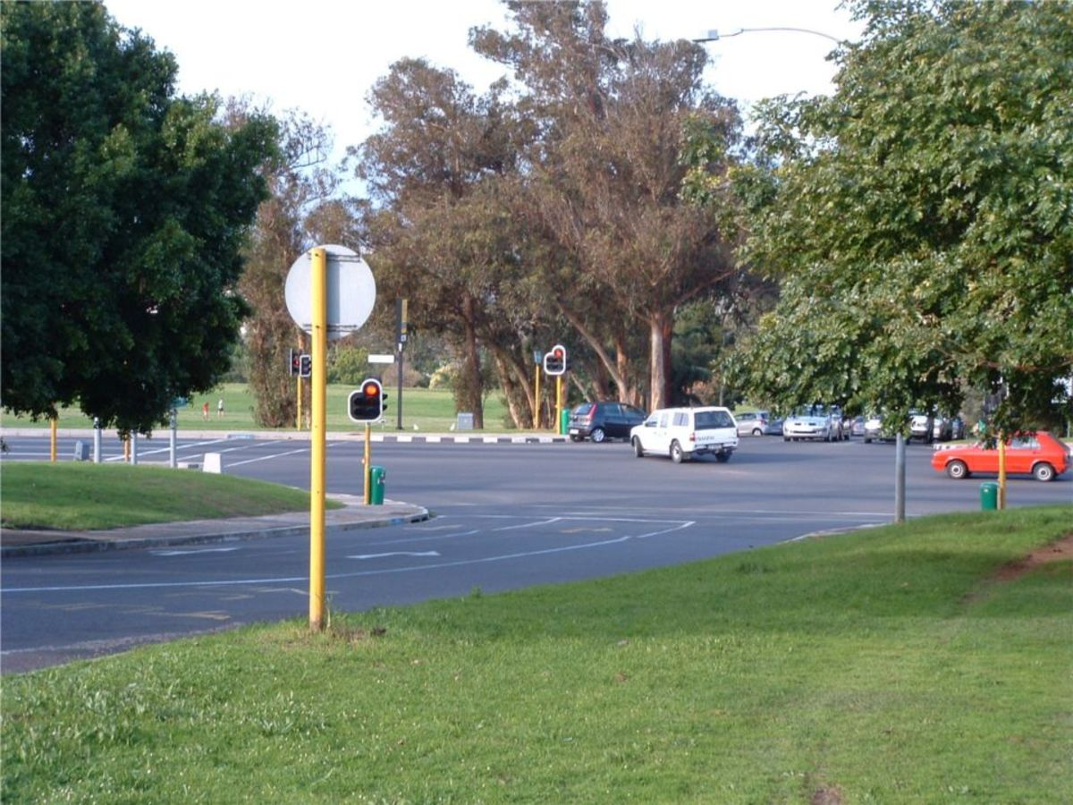 This is a crossroads section on the Durban road, near Fairmont High School.