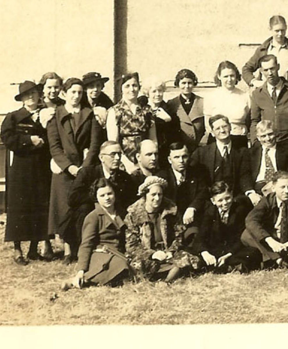 Tyro church group (photo from Lenhart). My great uncle, Albert Vining is kneeling in the center of row 2.