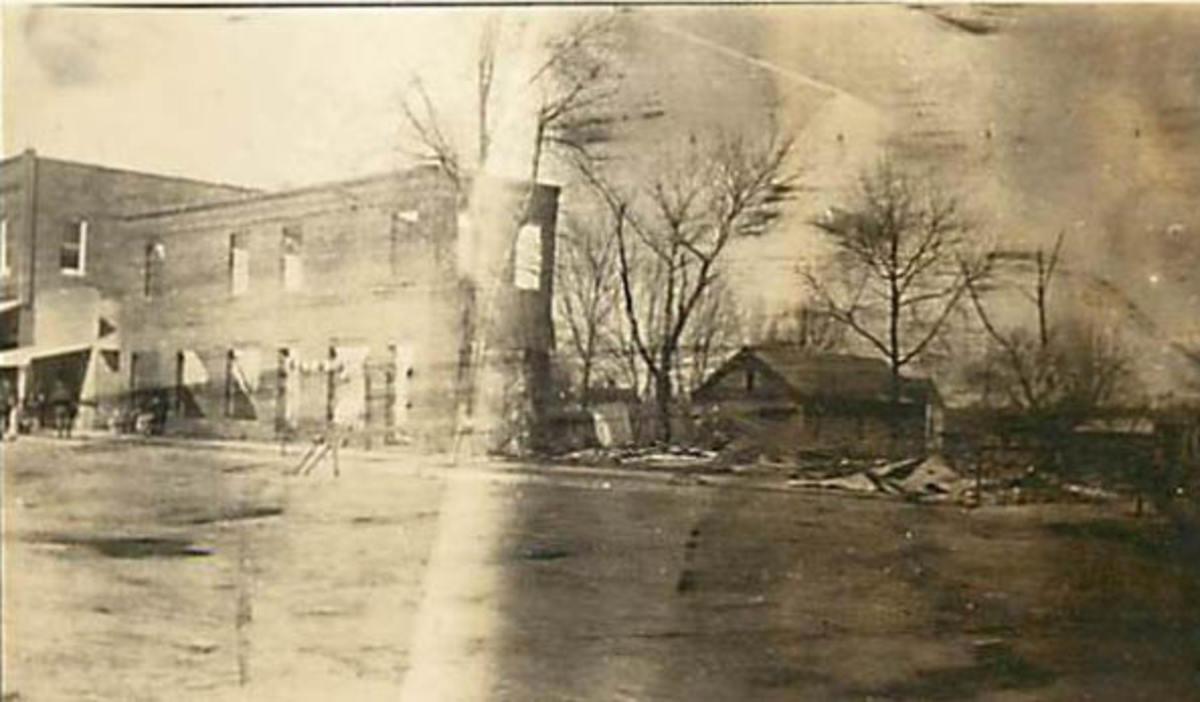Tyro Hotel ruins - around 1915.