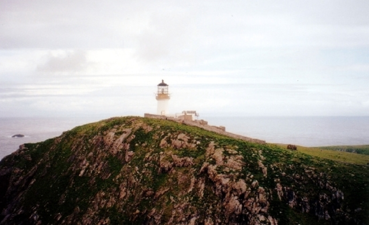 The Lighthouse of Eilean Mor (http://commons.wikimedia.org/wiki/File:The_lighthouse_on_Eilean_Mor.jpg)